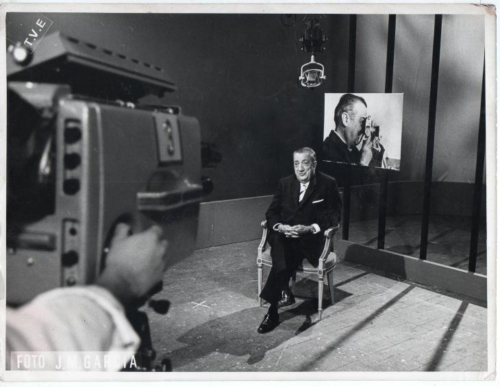 Campúa fotografiado por J.M. García en 1967 durante una entrevista con Televisión Española