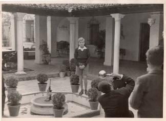 """Campúa retratando a Juan Carlos en el patio de """"Las Jarillas"""""""