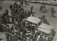 El coche oficial en el que Martín-Artajo realizó los traslados durante su viaje en Argentina.