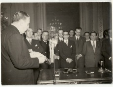 Discurso de Martín-Artajo ante las autoridades argentinas.
