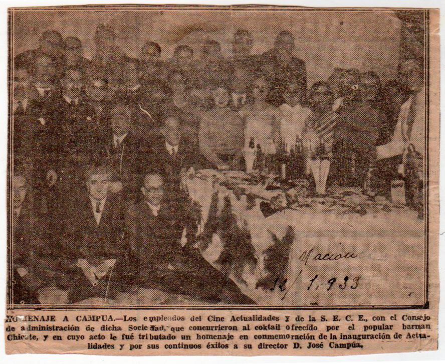 Fotonoticia del homenaje a Pepe Campúa como empresario cinematográfico en 1933.