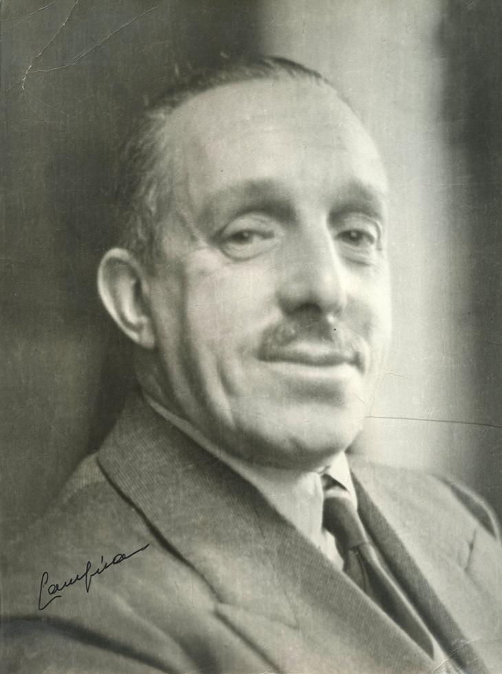 Positivado de época de AlfonsoXIII retratado en su madurez por José Demaría Vázquez, Campúa hijo