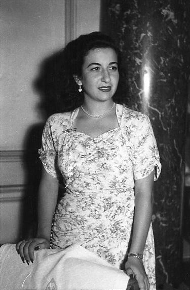 Giselia Trabucho, la primera ingeniero aeronáutico del mundo, retratada por Campúa en el Hotel Nacional el 20 de septiembre de 1948