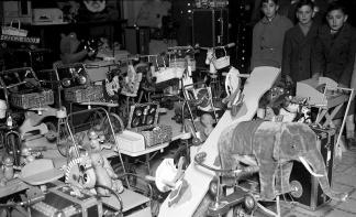 Juguetes de los Reyes Magos, fotografiada por Pepe Campúa el 6 de enero de 1951