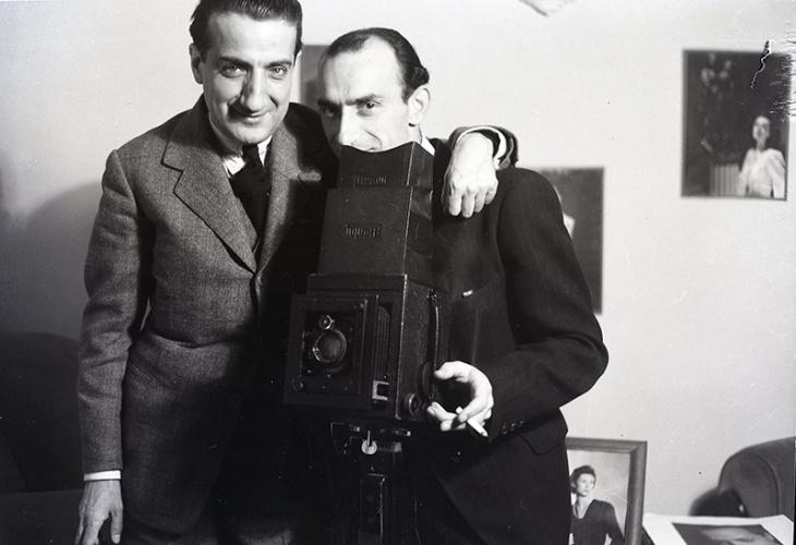 Juan Gyenes y Pepe Campúa en el estudio de la Avenida de José Antonio