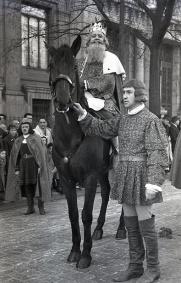 Cabalgata de Reyes celebrada en Madrid en 1949 fotografiada por Pepe Campúa
