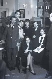 19 de marzo de 1951 Empleados del estudio durante la onomástica de José Campúa celebrada en su estudio de la c/ Bárbara de Braganza