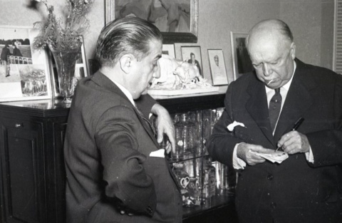 19 de marzo de 1954 Fiesta de onomástica de José Campúa en su casa en el Paseo de Rosales (Madrid)