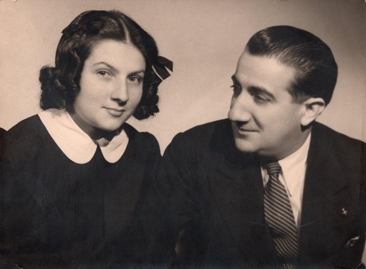 Pepe Campúa junto a su hija Esther Demaría en los años 40