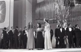 Tres de las cuatro ganadoras del Festival de Eurovisión 1969: Lenny Kuhr (Países Bajos), Frida Boccara (Francia) y Laura Valenzuela (España). Foto. Campúa