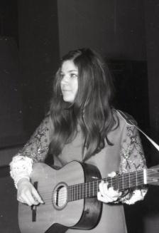 Lenny Kuhr, la representante de Países Bajos y una de las ganadoras de la edición de 1969 del Festival de Eurovisión. Foto. Campúa