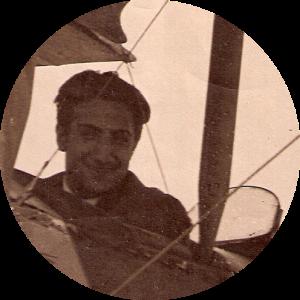 Campúa en un avión (foto de fecha no identificada)