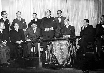 Un instante del homenaje a José Demaría López, Campúa padre, celebrado el 20 de mayo de 1935 en el salón de actos de la Asociación de la prensa © Alfonso Sánchez Portela (Archivo Fotográfico Alfonso), VEGAP, Madrid, 2014.