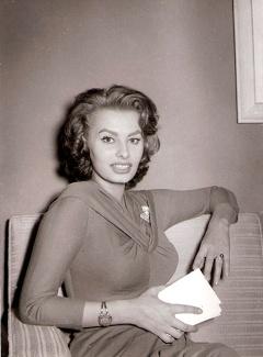 Sofía Loren retratada por Campúa en 1956 en Madrid