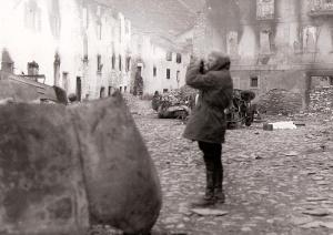 Campúa durante la guerra civil en una imagen tomada probablemente en Gernika