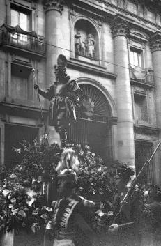 Procesión de San Isidro en Madrid, fotografiada por Campúa en 1950