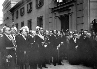 Las autoridades asistentes a la procesión de San Isidro en Madrid en 1950, fotografiadas por Campúa