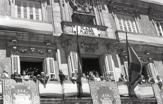 La Casa de la Panadería, durante el pregón de San Isidro, fotografiada por Campúa en 1969